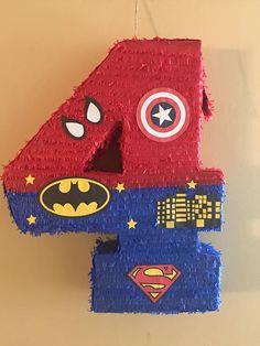 Piñata de número de superhéroes