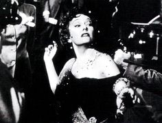 """Gloria Swanson, en """"El crepúsculo de los dioses"""" (Sunset Boulevard), 1950"""