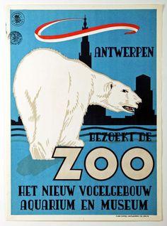 """Original-Offset-Werbeplakat für den Zoo von Antwerpen mit dem Bild eines Eisbären 'Antwerpen - bezoekt de Zoo - het nieuw vogelgebouw, Aquarium en Museum'. (Besuchen Sie den Zoo - das neue Vogelhaus, Aquarium und Museum). Dies ist eine seltene niederländischer Sprache kleiner dimensionierte Broschüre, und es ist in einwandfreiem Zustand. Mit der authentischen Steuerstempel oben links. Design: René Van Poppel (1908-1973). In den unteren rechten Rand """"R. Van Poppel Antwerpen""""..."""