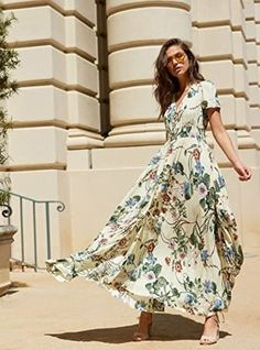 29 Beautiful Maxi Dresses That You Basically Need Right This Second