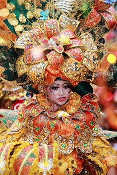 Indonesia Batik Carnival! Just Amazing!