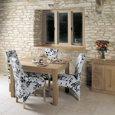 baumhaus mobel oak dining table seater superb contemporary oak dining table seats four people the dimensions are x x crafted from the highest grade