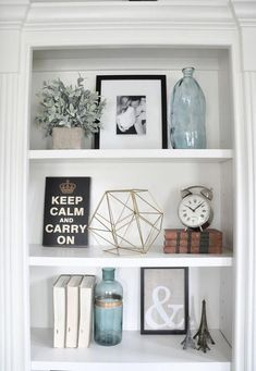 5 Simple Tips For Decorating Shelves &; Organised Pretty Home 5 Simple Tips For Decorating Shelves &; Organised Pretty Home Convention Decor thighde ikea bedroom ideas Learn how to decorate […] Living Room Decor, Shelf Decor Bedroom, Shelf Decor Living Room, Bookshelves In Bedroom, Bookshelf Decor, Living Room Shelves, Decorating Shelves, Home Decor, Bookshelves In Living Room