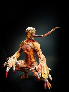 Licker - Resident evil original series - sculpture by Neca