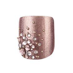 toe nails design- that champaign color is so pretty