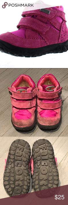 Naturino falcotto pink nylon suede Velcro sneakers Naturino falcotto pink nylon suede Velcro sneakers. Size 22 Naturino Shoes Sneakers