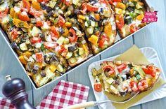 Pizza di pane alle verdure.