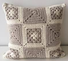 Crochet Patterns Neutral Neutral Scatter Cushion, Decorative Throw Pillow, Cream Accent Pillow, Neutral L. Crochet Home, Love Crochet, Crochet Baby, Crochet Afgans, Crochet Cushion Cover, Crochet Cushions, Crochet Pillow, Crochet Mandala, Crochet Motif
