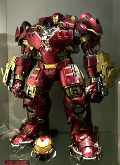 1/6th Scale Hulkbuster Iron Man figure: Avengers A.O.U. Hot Toys!