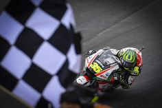 MEDIA HUKUM INDONESIA: Crutchlow on top as the title fight explodes in Ar...