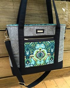 Sacs Tote Bags, Tote Purse, Crossbody Bags, Bag Quilt, Patchwork Bags, Crazy Patchwork, Quilted Tote Bags, Craft Bags, Diy Bags