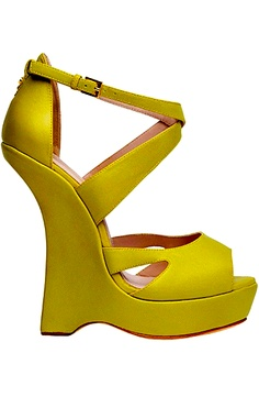 Elie Saab. I wouldn't wear this shoe..however, its a match for the dress of the same color...in next frame.(yellow dress)