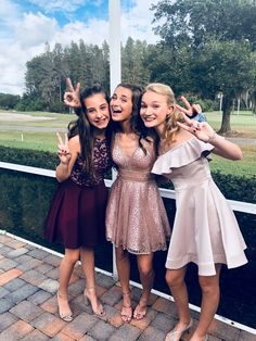 School Dance Dresses, Hoco Dresses, Homecoming Dresses, Cute Dresses, 8th Grade Dance Dresses, School Dances, Homecoming Pictures, Book 15 Anos, Prom Couples