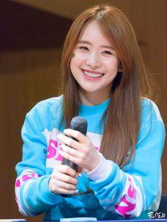 WJSN - SeolA #설아 (Kim Hyunjung #김현정) at Hapjung fansign 160402 #우주소녀 합정 팬사인회