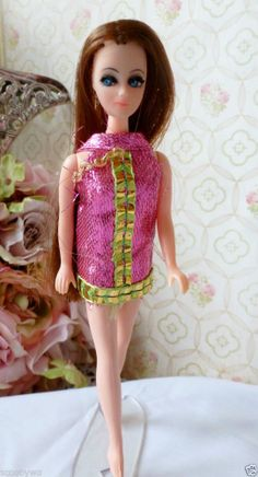 VINTAGE TOPPER DAWN DOLL.....LONGLOCKS  H17 BEAUTIFUL W/ OUTFIT