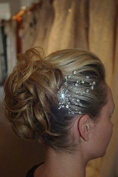 Jessica Alba inspired Bridal upstyle vintage crystal hair jewell. #weddinghairstyles