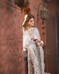 "Maha Wajahat Khan on Instagram: ""Shoot for @faizas.salon Stay Tuned 😍😍 #mahasphotography @mahawajahatkhan @mahasphotographyofficial Designer…"" Stylish Dress Designs, Stylish Dresses, Pakistani Formal Dresses, Bridal Dress Design, Bridal Pictures, Bridal Shoot, Bridal Beauty, Designer Dresses, Designer Wear"
