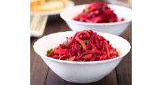 Az alma, a répa és a cékla is tele vannak vitaminokkal és ásványi anyagokkal. Az alma nagyon sok rostot tartalmaz ez pedig segít csökkenteni a bélrendszeri problémákat is. Segít csökkenteni a koleszterinszintet is. Az alma rendszeres Shrimp, Cabbage, Spaghetti, Meat, Vegetables, Ethnic Recipes, Food, Essen, Cabbages