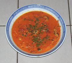 Een heerlijk rijkelijk gevulde Visroomsoep met echte krab, garnalen, zeevruchten, gerookte zalm, mosselen en tijgergarnalen. Een origineel recept van de Happy Chief Cook.