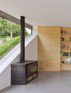 A Dutch villa near the seaside | concrete and wood