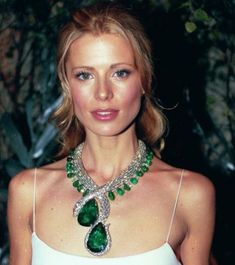 """Cartier """"Eternity"""" snake necklace with two massive emeralds: 206 and 205 carats in platinum"""