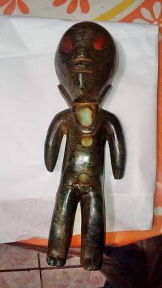 Újabb meghökkentő, idegen lényeket és űrhajókat ábrázoló leletek kerültek elő Mexikóban | Új Világtudat | Az Élet Más Szemmel Ufo Proof, Alien Figure, Alien Artifacts, Ancient Aliens, Archaeology, Garden Sculpture, History, Stones, Stars