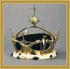 Welsh Crown Jewels - The Crown, made for the 1969 investiture of Prince Charles using a technique of applying gold to a resin base it has four crosses and four fleur de lis in keeping with the design issued by a warrant of Charles II in 1672.: English Monarchs