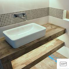Zupełnie jak na podium! ;)  Umywalki nablatowe to rozwiązanie i wygodnie praktyczne, i estetyczne! #łazienki #łazienka #wystrojwnętrz #design #bathroom #bathroomdesign #interiordesign #design #umywalka #sink #ceramika #inspiracja #pomysł #wyposażeniewnętrz #modernbathroom #nowocześnie