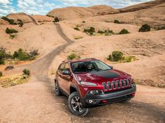2014 Jeep Cherokee KL Hits The Dirt