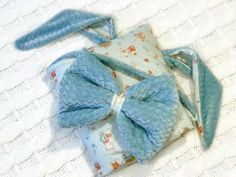 2in1 Baby Sleeping Bag : 11 Steps (with Pictures) - Instructables Bow Pillows, Small Pillows, Baby Wrap Blanket, Cute Borders, Baby Shower Bingo, Baby Warmer, Baby Wraps, Cute Bunny, Sleeping Bag