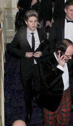 Ayyyyyyy sexy Niall!!! Ohp ohp ohp oppa gangnam style!!!