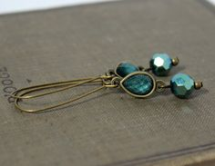 Antiqued Gold and Teal Green Teardrop Dangle Earrings on Kidney Earwires by belleonabudget