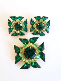 Victorian style jewelry 3 piece rhinestone set 70s green jewelry estate goldtone set Vintage jewelry set Green rhinestone set