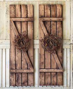 Home Design Country Shutters Super Ideas Country Shutters, Primitive Shutters, Cottage Shutters, Farmhouse Shutters, Rustic Shutters, Diy Shutters, Farmhouse Bedroom Decor, Wooden Shutters Exterior, Cedar Shutters