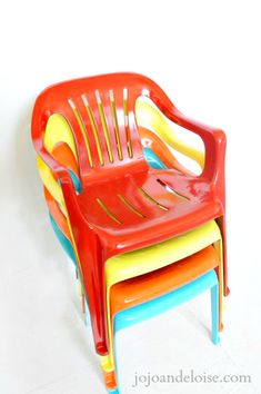 Hometalk :: Bring New Life to Your Old Plastic Chairs, With Krylon Spray Paint #PlasticChair