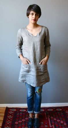 linen tunic w/ jeans and oxfords... Keyhole neck. Small patch pockets