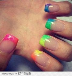 summer nails- i wish i could try this look but my nails aren't long enough maybe i could try to grow them out