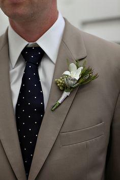 nautical idea for tie/colors/boutonniere