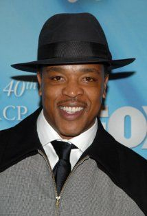 Russell Hornsby received a Bead Flora French beaded flower at the #Emmys #GBK gift lounge #theartisangroup @beadflora.com
