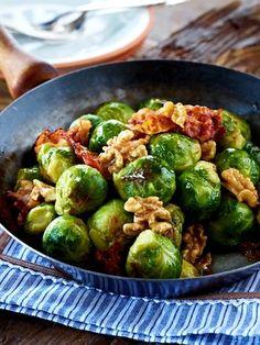 Mit der Eiweiß-Diät 5 kg abnehmen. Das klappt mit Kohlenhydraten, die zufrieden, satt und schlank machen - kombiniert mit eiweißhaltigen Lebensmitteln.