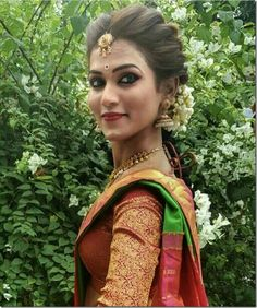 Indian wedding hairstyles, bride hairstyles, indian hairstyles for saree,. South Indian Bride Hairstyle, Indian Bridal Hairstyles, Elegant Hairstyles, Bride Indian, Bridal Hairdo, Hairdo Wedding, Saree Wedding, Saree Hairstyles, Bride Hairstyles