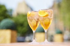 An easy cocktail recipe, whatever the weather. #easy #summer #cocktail #beverage #drink #aperol #aperolspritz #prosecco #orange