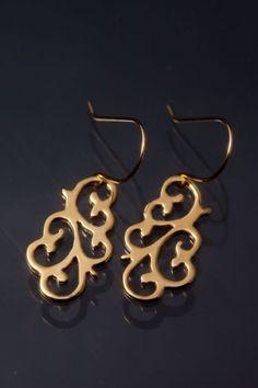 K18 Arabesque pierced earrings (flower) -