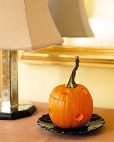 Pumpkin Pie Potpourri how to from Martha Stewart. Make your house smell like pumpkin pie!
