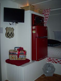 fridge, microwave, & flat screen... Hmmmm, maybe we need this in our new/ old trailer... OH the possibilities