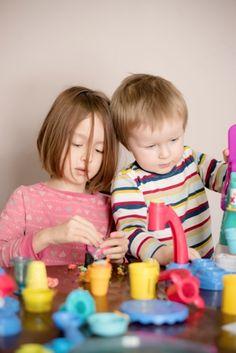 SafeGuardS kids playing dough