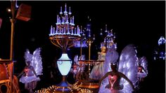 "12 Mind-Blowing GIFs from Disneyland's New ""Paint the Night"" Parade 
