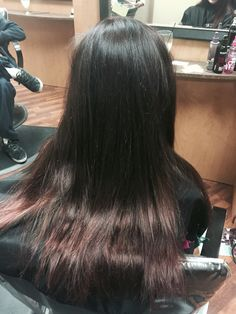Subtle balayage. Brown-red brown
