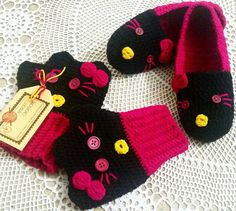 Crochet hello kitty slippers and fingerless mittens by Amber's Creations 🌷