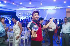 Performer contato em recepção do evento corporativo da Plural Saude, atração de Humor e Circo Produtora no Rio de Janeiro. Contate-nos humorecirco@gmail.com (11) 97319 0871 (21) 99709 6864 (73) 99161 9861 whatsapp. Shows, Humor, Concert, Giant Bubbles, Rio De Janeiro, Party, Corporate Events, Artists, Humour